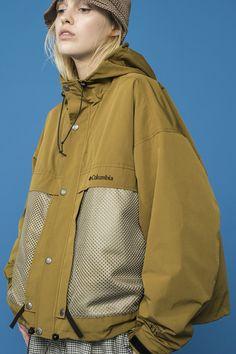 Modern von Columbia Black Label x Monkey Time … – Mode Uni Fashion, Sport Fashion, Fashion Outfits, Sport Style, Coats For Women, Jackets For Women, Outdoor Fashion, Fashion Details, Fashion Design