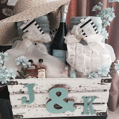 Honeymoon Gift Basket More Engagement Gift Baskets, Wedding Gift Baskets, Engagement Presents, Diy Wedding Gifts, Engagement Gifts For Couples, Honeymoon Gift Baskets, Honeymoon Gifts, Bridal Shower Gifts For Bride, Bridal Gifts