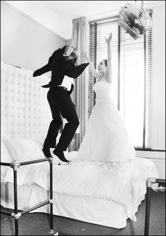 Weer even kind zijn #funnyweddingpicture #gekkebruidsfoto
