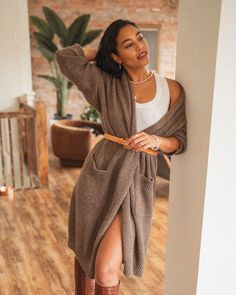 Chic Winter Outfits, Fall Outfits, Fashion Outfits, Minimal Fashion, Wardrobe Staples, Knitwear, Winter Fashion, Minimalist Outfits, Wrap Dress