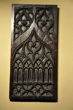 A FINE LATE 15TH CENTURY WALNUT GOTHIC TRACERY PANEL. CIRCA 1480.