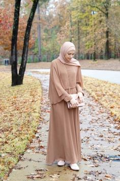Discover thousands of images about Hijab look, formal, hari raya Hijab Dress Party, Hijab Style Dress, Modest Fashion Hijab, Abaya Fashion, Modesty Fashion, Hijab Outfit, Hijab Casual, Hijab Chic, Muslim Women Fashion
