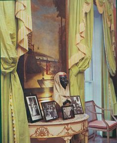 Washington, D.C. Federal-style townhouse of Evangeline Bruce. Close up curtains by John Fowler. Published AD Sept 1978, Horst photographer
