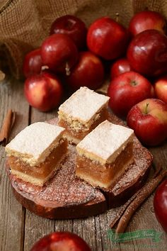 Apple and walnuts bars ( recipe in romanian) Fall Recipes, My Recipes, Dessert Recipes, Cooking Recipes, Favorite Recipes, Romanian Desserts, Romanian Food, Cupcake Cakes, Food To Make