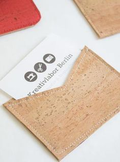 Einfachs Visitenkarten-Etui aus Korkstoff - Nähanleitung via Makerist.de