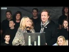 BBC News - Lennon family at memorial unveiling