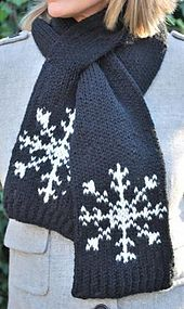 Ravelry: Snowflake Scarf pattern by kathryn Doubrley