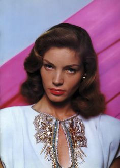 """The lovely Lauren Bacall. One of my favorite Lauren Bacall movies is """"Designing Woman"""".she was impeccably dressed from head to toe! Golden Age Of Hollywood, Vintage Hollywood, Hollywood Glamour, Hollywood Stars, Classic Hollywood, Hollywood Life, Humphrey Bogart, Lauren Bacall, Lauren Hutton"""