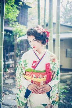 GALLERY – 南青山の花嫁着物レンタルサロン CUCURU(くくる) Permed Hairstyles, Wedding Hairstyles, Japan Hairstyle, Wedding Kimono, Hair Arrange, Japanese Outfits, Yukata, Japanese Kimono, Kimono Fashion