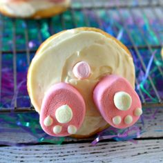 What is cuter than a bunny….duh… a BUNNY BUTT! Their little paws, their fluffy tails – who doesn't love a little bunny butt!! Now, what is yummier than a cookie?…. duh…. a BUNNY BUTT COOKIE. Not only are these Bunny Butt Cookies cute and yummy, they are super easy to make!
