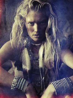 Native | Toni Garrn | Alexi Lubomirski #photography | Vogue Spain | #bohemian #boho #hippie #gypsy