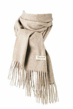 Rakas joulupukki, olen ollut tosi kiltti.. :) Highland scarf 100% cashmere, sand