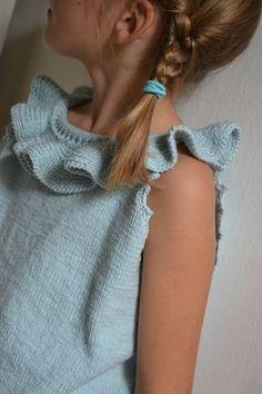 Kids Knitting Patterns, Knitting For Kids, Baby Knitting, Crochet Coat, Diy Crochet, Pull Bebe, I Love Girls, Little Girl Fashion, Baby Sweaters
