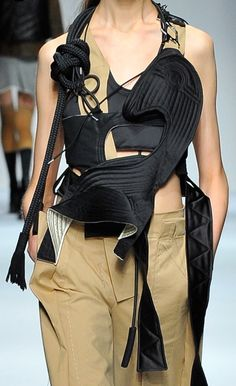 Anne Sofie Madsen | Spring 2017 | @sqchoi Runway Fashion, Fashion Show, Womens Fashion, Deconstruction Fashion, Conceptual Fashion, Fashion Details, Fashion Design, Christian Dior, Quirky Fashion