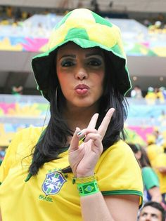 Proof That Brazil & Argentina Have Some Of The Hottest Football Fans In The World! World Cup 2014, Fifa World Cup, Lionel Messi, Hot Football Fans, Brazil Girls, Thing 1, Soccer, Female, Sexy