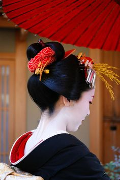 Kyoto, Japan - Seeing the skin where she did not apply the makeup is as erotic as seeing tan lines on a nude woman.