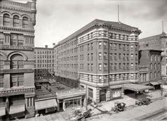 "Memphis, Tennessee, circa 1910. ""Hotel Gayoso"