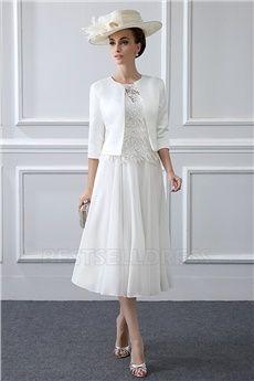 A-Line/Princess Jewel Neck Tea-length Mother of the Bride Dress With Appliques Lace