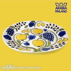 アラビア ARABIA パラティッシ Paratiisi オーバルプラター イエロー 北欧食器 柄の全体像はフルーツと花柄でフィンランドの夏と冬を表しています。