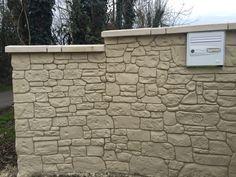 Fausse niche en pierres de taille en d co int rieure mur for Enduit imitation pierre