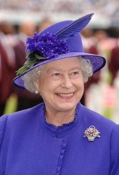 Queen Elizabeth in purple, 2007