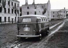 ♠ Volkswagen, T1 T2, Making A Model, Vw Vans, Vw Camper, Vw Beetles, Bay Window, Jealous, Ww2