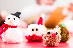 Workshop Navidades con mucho punto! taught by Senyor Pablo to teach how to make Christmas ornaments with wool for children 8 to 10 years, in Palacio Alhajadú (Plaza San Martín 1, Madrid) past December 29, January 2 and 3, promoted by La Casa Encendida Many thanks to Emo Díaz for help us. Photos by Xabier Gómez Capeáns