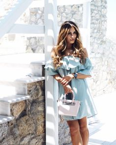 Do it like Lydia Elise Millen! Add colour to your daily summer outfits by carrying a Style Code bag (July 2016).