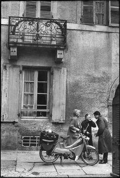 Henri Cartier-Bresson  FRANCE. Burgundy region. Cote d'Or departement. Semur-en-Auxois. 1968.