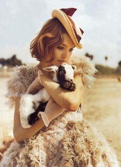 Natalia and her 'ethereal' modelling style. #NataliaVodianova  #hair