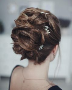 This beautiful Wedding updo hairstyle perfect for any wedding venue - This stunning wedding hairstyle for long hair is perfect for wedding day,wedding hair Bridal Hair Updo, Wedding Hairstyles For Long Hair, Vintage Hairstyles, Bun Hairstyles, Updo Hairstyle, Bridesmaid Hairstyles, Hairstyle Ideas, Elegant Wedding Hair, Wedding Updo