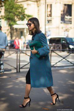 #NatashaGoldenberg & her Prada topper in Paris.