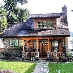 Bahçeli küçük ev