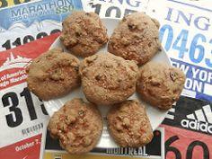 C'est la grande fin de semaine du Marathon des Deux Rives SSQ de Québec. La ville est fébrile et les coureurs sont prêts. Fera-t-il canicule? Dame nature sera-t-elle clémente afin de permettre aux athlètes de faire leur « PB» ? (Personnel best ou record personnel en bon français.) À suivre… Mais la Madame Labriski, elle,... Caramel, Energy Bites, Biscuits, Muffins, Rives, Gluten, Dame Nature, Snacks, Cookies
