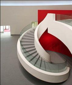 Escada projetada por Oscar Niemeyer para Museu na Espanha www.conexaodecor.com