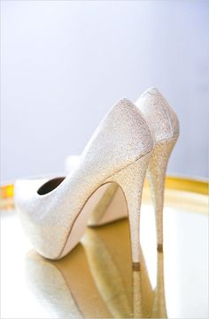 Gold glamour wedding in Paris. Captured By: Le Secret d'Audrey & One and Only Paris Photography #weddingchicks http://www.weddingchicks.com/2014/10/02/gold-glamour-wedding-in-paris/ #promshoesgold