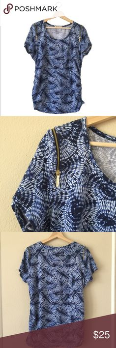Michael Kors Top Beautiful Michael Kors Too with zippered shoulders and side rouching in excellent used condition size XL Michael Kors Tops