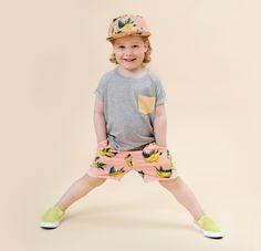 http://www.minimaniac.be/collectie-meisjes/orange-dip-pocket-t-shirt-little-man-happy.html