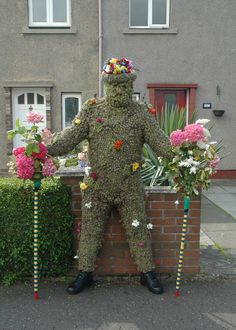 This morning, I took the family to South Queensferry , near Edinburgh, to see an ancient tradition taking place called The Burry Man . Evil Spirits, Street Performance, New Museum, English Style, Folk Costume, Green Man, British Isles, Color Theory, Traditional Dresses