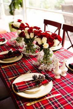 Best plaid christmas tablescape for your home 00002 Christmas Table Settings, Christmas Tablescapes, Christmas Decorations, Table Decorations, Holiday Tablescape, Christmas Candles, Christmas Centerpieces, Tartan Christmas, Christmas Home