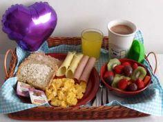 Breakfast Tray, Birthday Breakfast, Food Decoration, Tray Decor, Food Goals, Coffee Break, Picnic, Brunch, Food And Drink