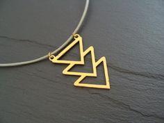 GEOMETRIE Kette filigran Dreieck grau Messing von buntezeiten auf DaWanda.com