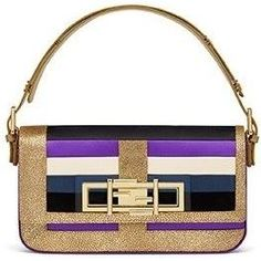 Sarah Jessica Parker wearing Fendi 3baguette Bag