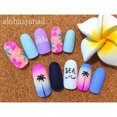 久々にカラフルなaloha nail * * #ネイル#nail#nails#nailart#aloha#ボタニカルネイル#palmtree#ヤシの木#グラデーションネイル#マットコート#プルメリアネイル#トロピカルネイル