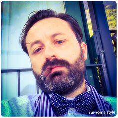 Lo stile è l'uomo! [G.L.L. de Buffon, Discorso sullo stile, 1753] #ruiroma #style #fashion #class #man #cool #design #kult #Naples #papillon #madeinitaly #Italy #brusciano #italianstyle #cigars #sigaro #sartorianapoletana #stilenapoletano #italian #lifestyle #modauomo #gentleman #dandy #elegance #pochette
