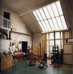 trendy home art studio organization natural light Home Art Studios, Art Studio At Home, Artist Studios, Casa Art Deco, Painters Studio, Art Studio Design, Art Studio Organization, Style Deco, Dream Studio