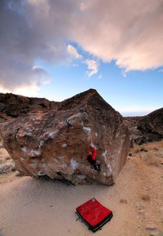 www.boulderingonline.pl Rock climbing and bouldering pictures and news Rock Climbing Routes