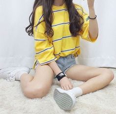 Read Shorts from the story Looks coreanos by (Nathalia) with 206 reads. looks. Mode Outfits, Korean Outfits, Fashion Outfits, Womens Fashion, Fashion Trends, Ulzzang Fashion, Asian Fashion, Korean Fashion Shorts, Korea Fashion