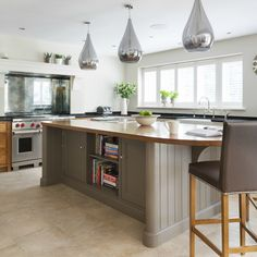 Brentwood Luxury Bespoke Kitchen - Humphrey Munson