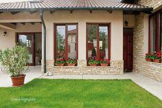 House Design, Tropical Houses, Modern Rustic Homes, House Exterior, Exterior House Colors, Exterior Design, Mediterranean Homes, Small House, Rustic House